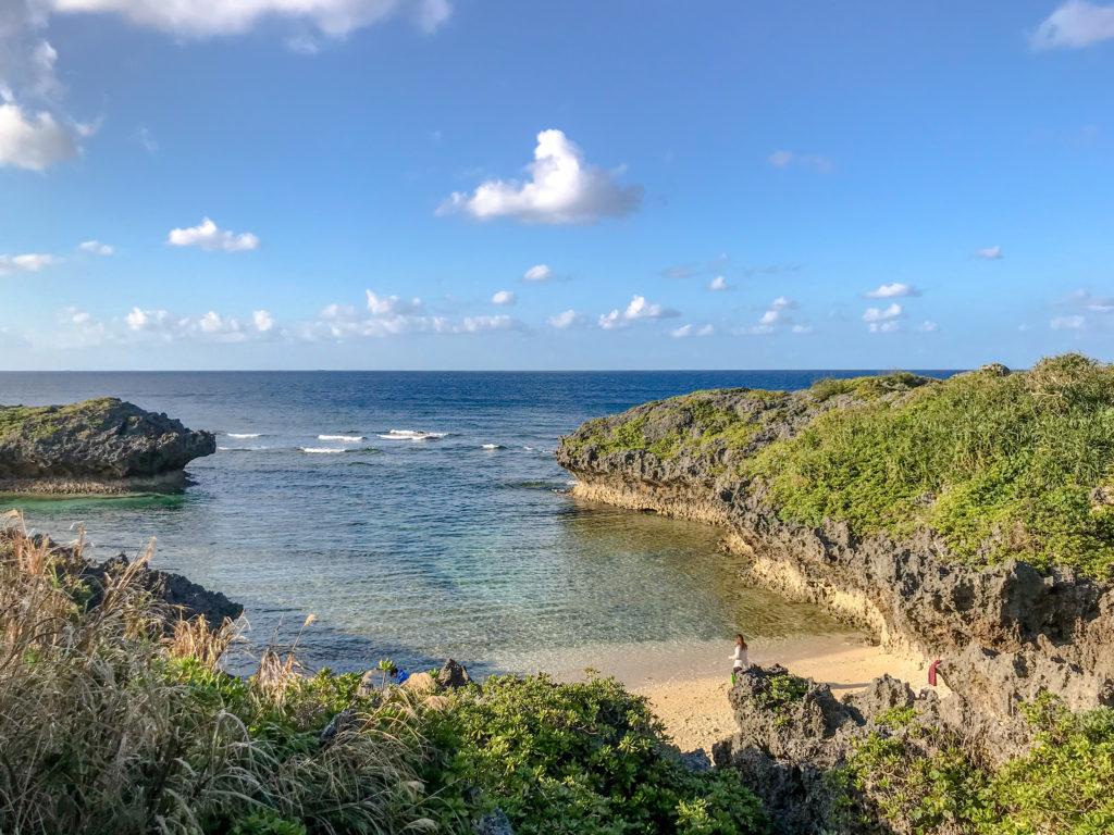 恩納村 真栄田岬で海水浴も楽しめるビーチ