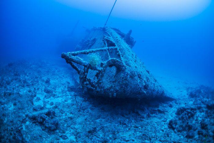 沖縄最大級の沈没船 米軍駆逐艦エモンズ
